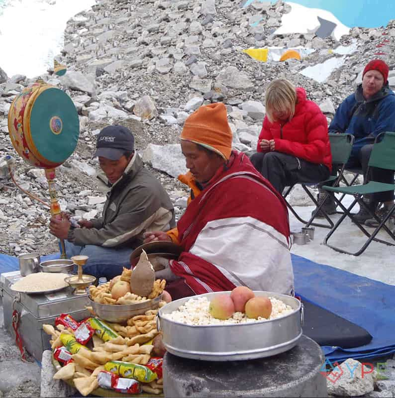 Local_Lama_performing_Puja_at_Base_Camp_before_climbing_the_Khumbu_Icefall-1